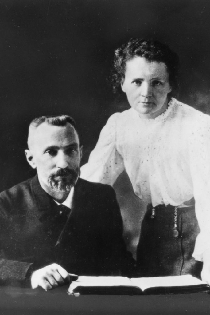 Maria and Pierre Curie-Eres una mujer Alice-Alice in Beautyland