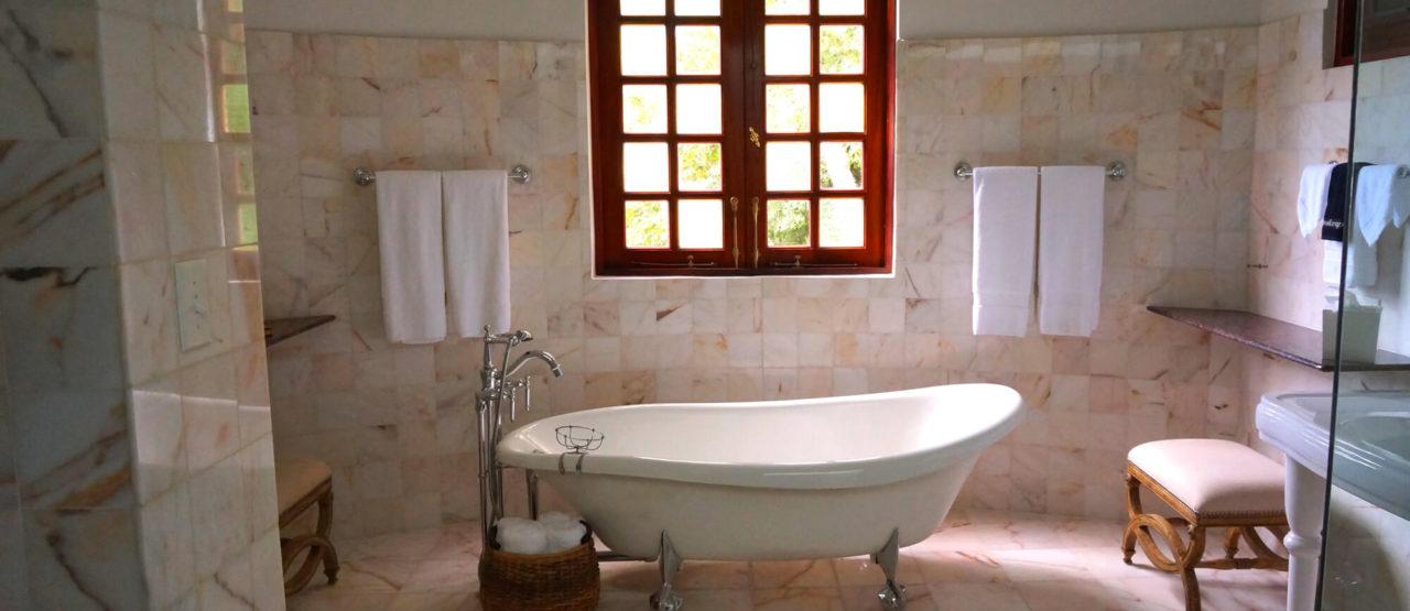 Cuidados básicos de belleza - Alice in Beautyland - Bathroom