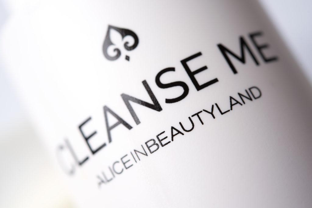 Limpieza Facial y Automasaje - Cleanse Me - Alice in Beautyland Blog Limpieza del Rostro-Letras