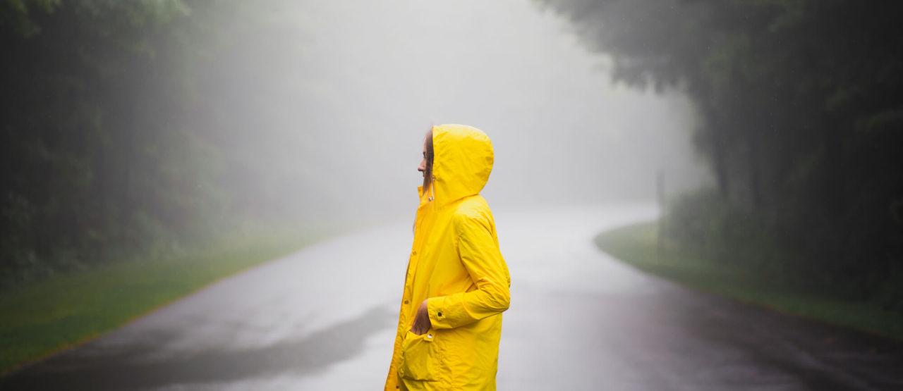 El Amarillo-tendencia-Alice in Beautyland-Raincoat
