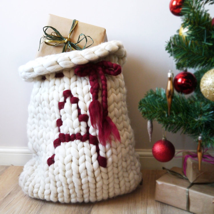 Navidad-Alice-in-Beautyland-Lauren+Aston+Designs+Santa+Sack