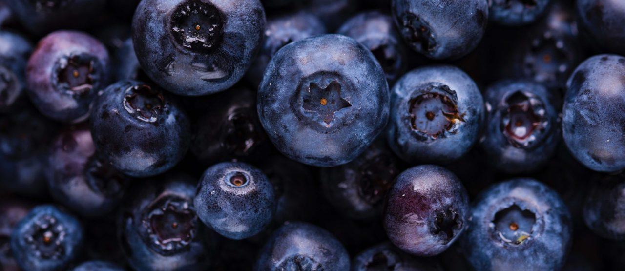 Pon color a tu dieta y ganaras en salud Alice in Beautyland Blog Arandanos