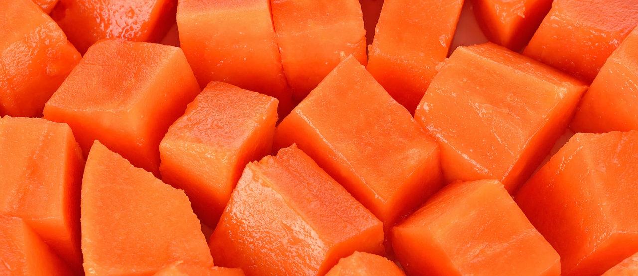 Pon color a tu dieta y ganaras en salud Alice in Beautyland Blog Papaya trozos